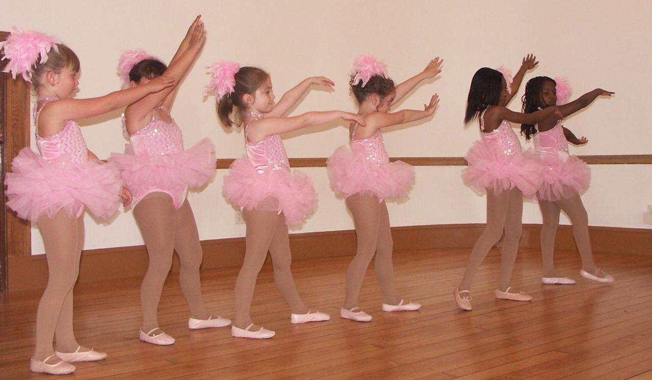 http://dancedimensions.org/wp-content/uploads/2016/08/ballerinas-2010-1200x700-1.jpg